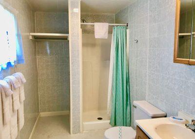 cottage-18-bathroom